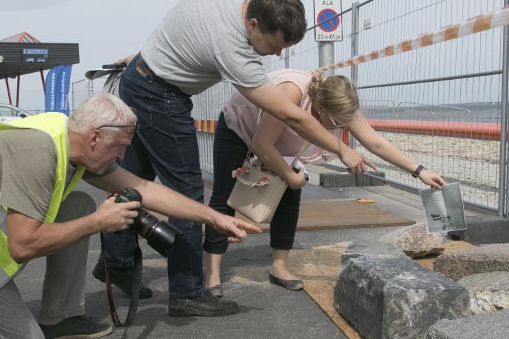 FOTOD! Kaldamüüritise hauakivid viiakse kalmistuparki