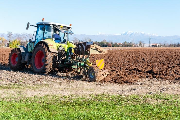 Põllumeestele makstakse pindala- ja loomatoetused sel aastal varem välja