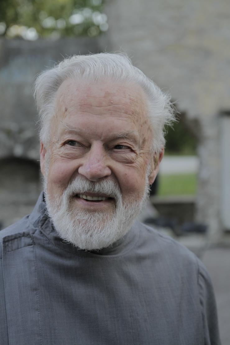 """Uus kodumaine dokumentaalfilm """"Igapäevaelu müstika"""" räägib isa Vello Salost"""
