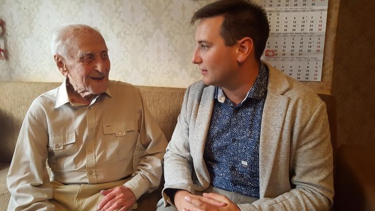104-aastane kesklinlane pikendab tervist võimlemise ja šokolaadiga