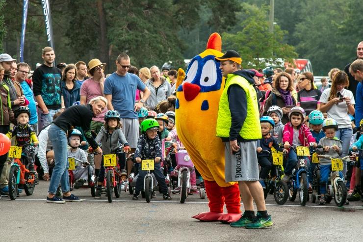 FOTOD! Jüri Ratase XIV jalgrattavõistlusel startis ligi tuhat rattasõpra
