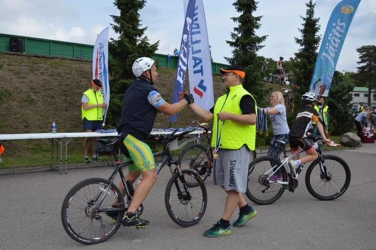 GALERII: Jüri Ratase XIV jalgrattavõistluse võitsid Alges Maasikmets ja Kelly Kalm