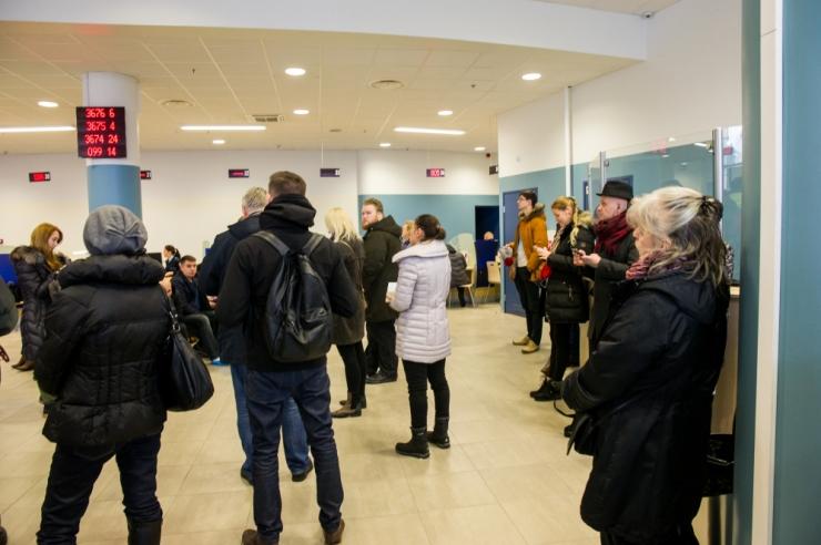 Politsei pikendab esmaspäevast Tallinna teeninduste lahtiolekuaega