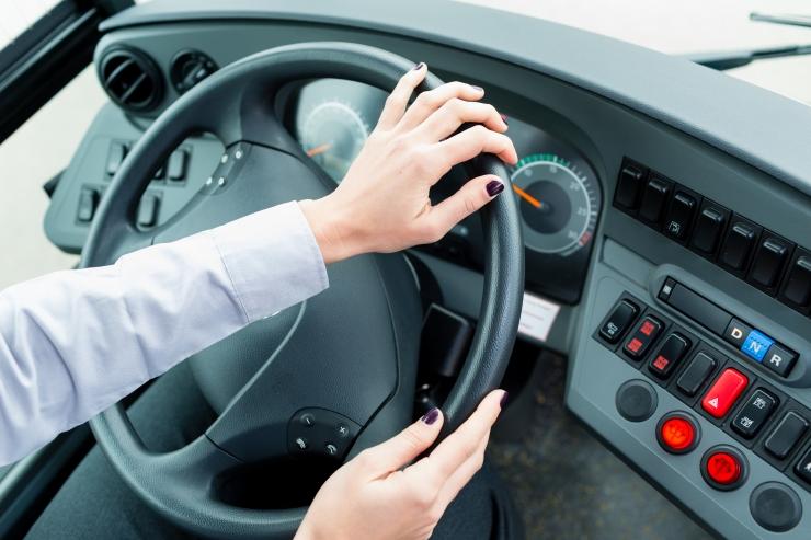 Ametiühing: käsundusleping ei kaitse bussijuhte