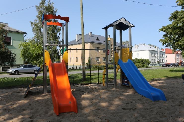 FOTOD! Põhja-Tallinn sai uued mänguväljakud