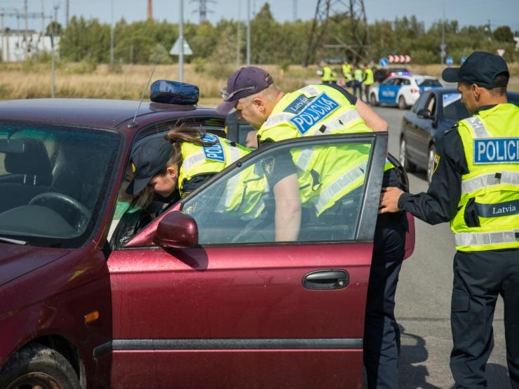 Politsei tabas ööpäevaga 18 joobes sõidukijuhti