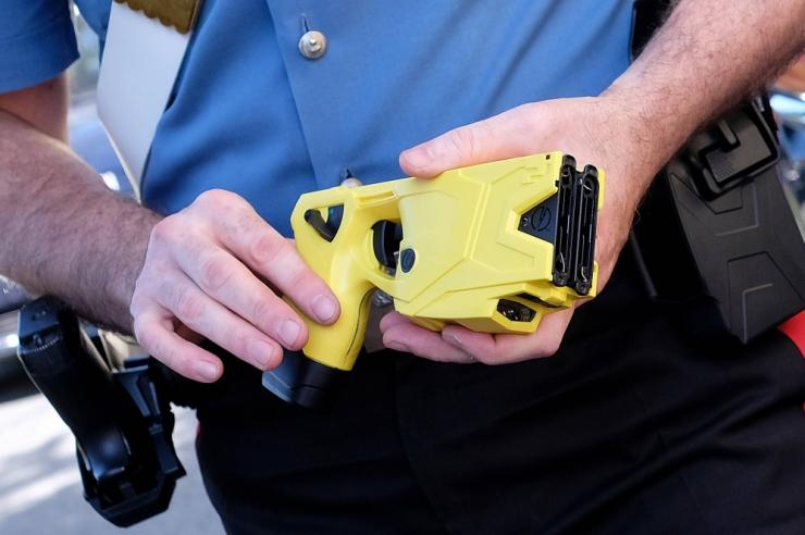 Politsei kasutas taserit päästmaks endalt elu võtta püüdnud meest