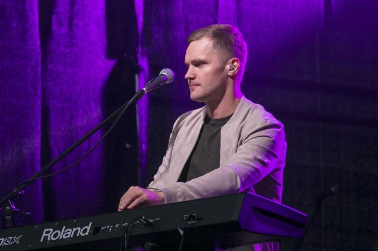 FOTOD JA VIDEO! Ott Lepland lummas Haabersti sügiskontserdil publikut!
