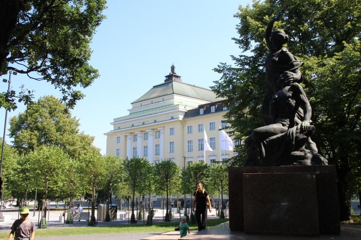 Estonia teater peab 112. sünnipäeva