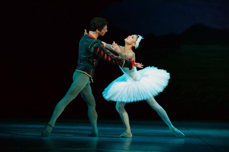 Riigikogus avati näitus Eesti balleti 100. juubeli auks
