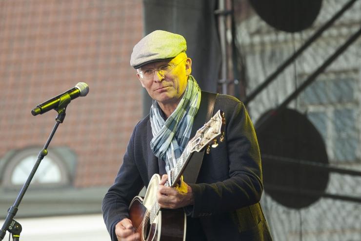 VIDEOD: Valgusfestivali vanalinnas lõpetas Jäääär ja tantsuetendus