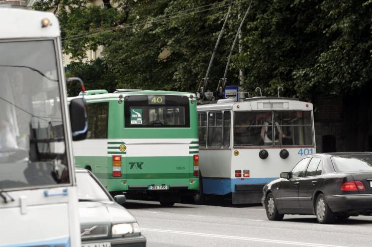 Vabaduse väljakut läbivad bussid-trollid suunatakse ümbersõidule