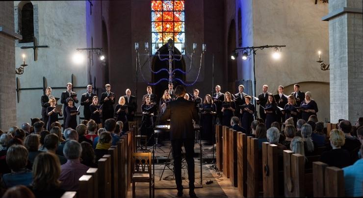 Kalle Randalu esineb koos Eesti Filharmoonia Kammerkooriga