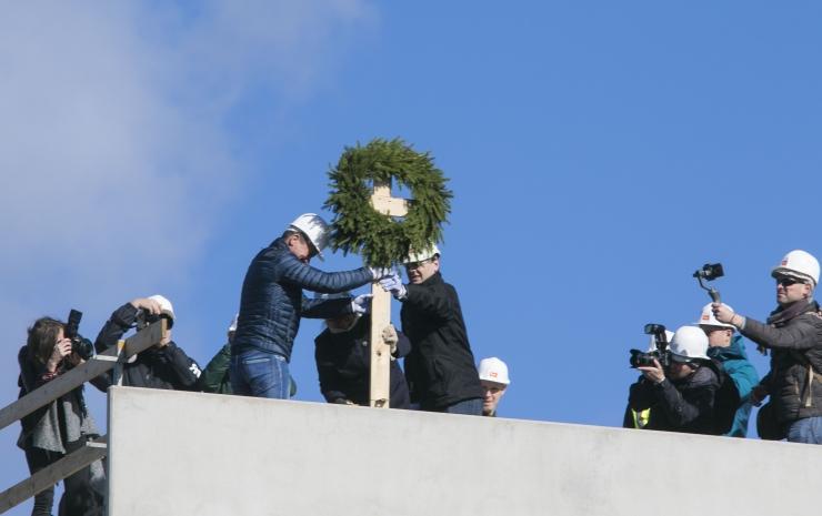 FOTOD JA VIDEO! Kopli liinidel peeti esimese uue maja sarikapidu