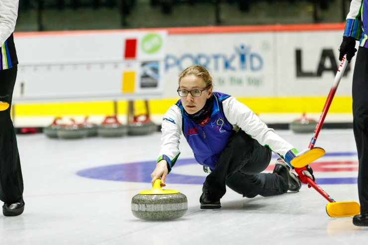 GALERII! Tondiraba jäähallist sai curlinguareen!