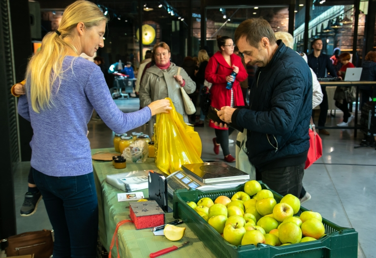 FOTOD! Ubinafestivalil Arsenali keskuses valiti parim õunasort