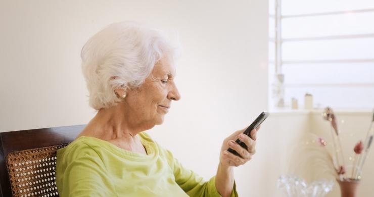 VAJALIK ABI: Üksi elava pensionäri toetust saab 79 370 inimest