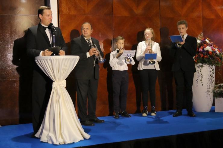 FOTOD JA VIDEO! Tallinn autasustas pidulikul galal parimaid õpetajaid