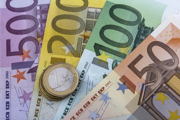 Noored soovivad 1428 eurot kätte teenida