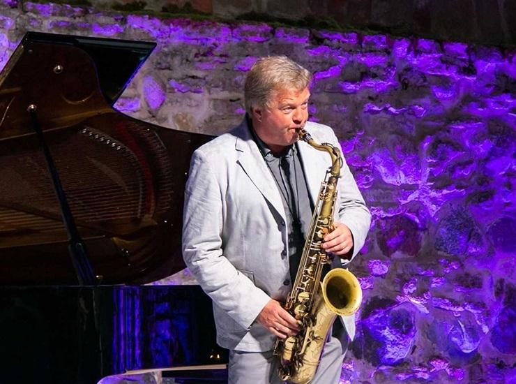 JUUBILAR RAIVO TAFENAU: Saksofonimäng on nagu tennis - publik peab palli tagasi lööma