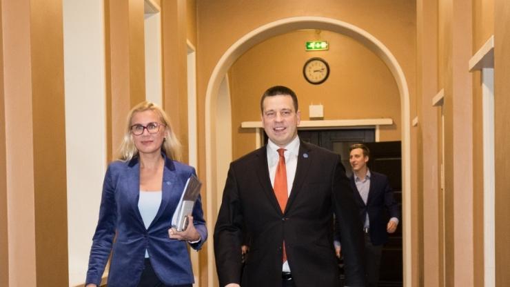 Ratas ja Simson: Tallinna Sadama börsile viimine oli oodatust edukam