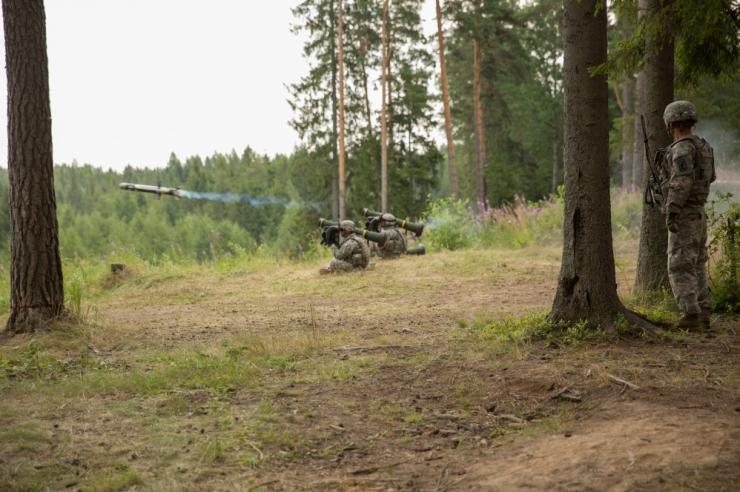 Riik ostab pikamaa tankitõrjerelvad