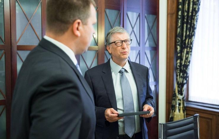 FOTOD! Eesti uusim e-resident on Bill Gates