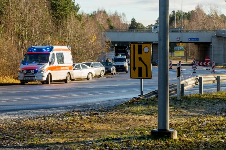 Maanteeamet hoiatab: teedel võib esineda musta jääd