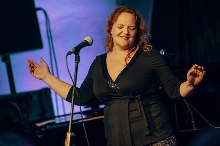 GALERII: Hedvig Hanson andis TAFF Clubis lummava kontserdi