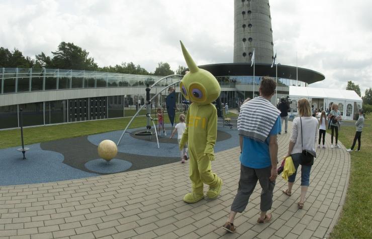 Teletornis saab näha Eesti parimaid teadusfotosid