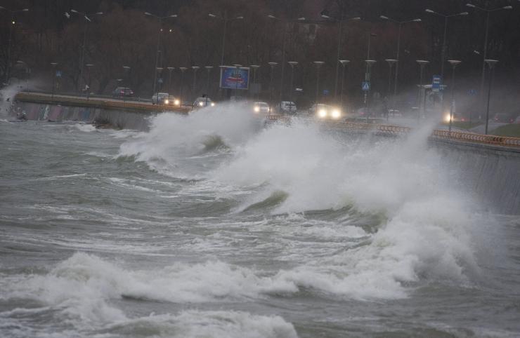 Torm toob Läänemerele kuni viiemeetrised lained