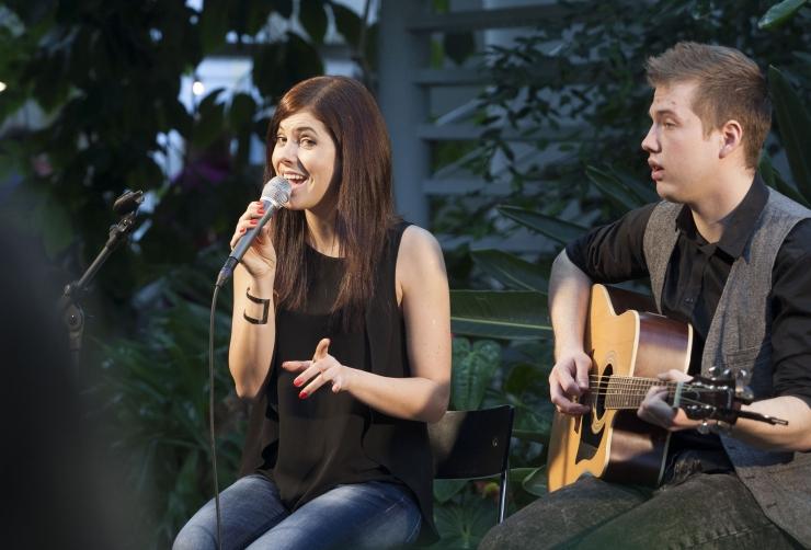 Birgit annab heategevuskontserdi Kaarli kooli juurdeehituse toetuseks