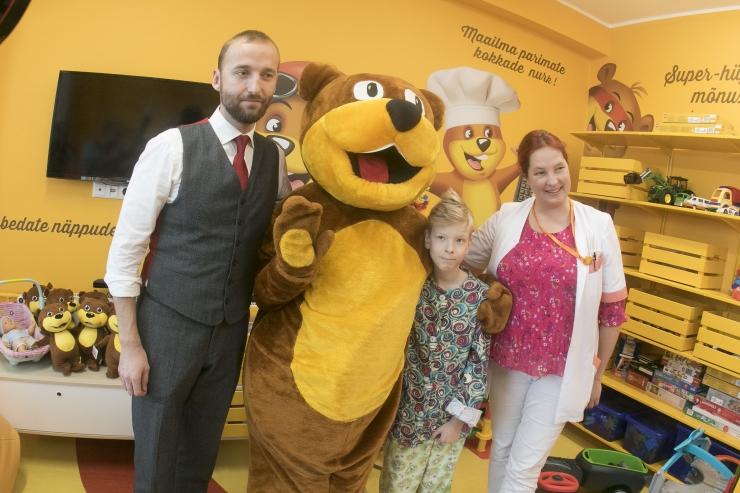 FOTOD JA VIDEO! Laste onkoloogiaosakond sai ravi toetava mängutoa