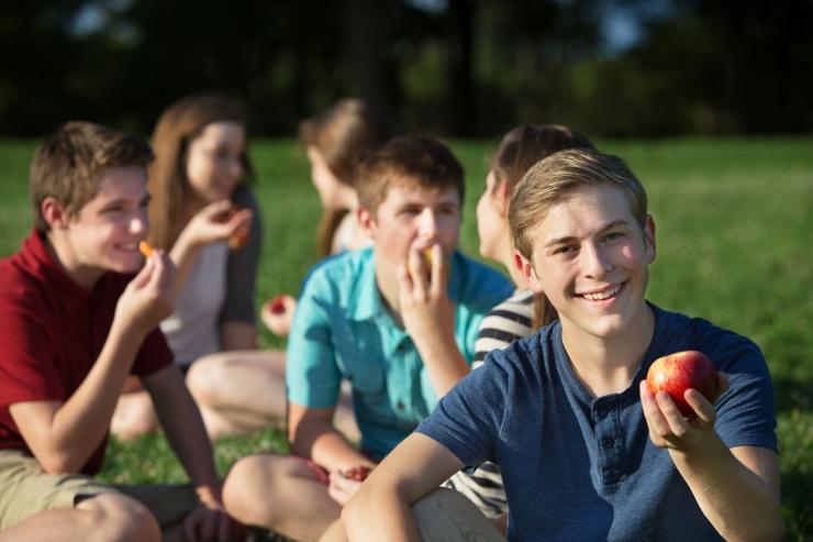 Põhja-Tallinna noored saavad tasuta puu- ja köögivilju