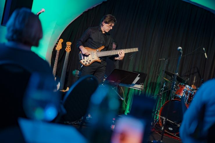 GALERII: Raul Vaigla demonstreeris TAFF Clubis basskitarri võlusid