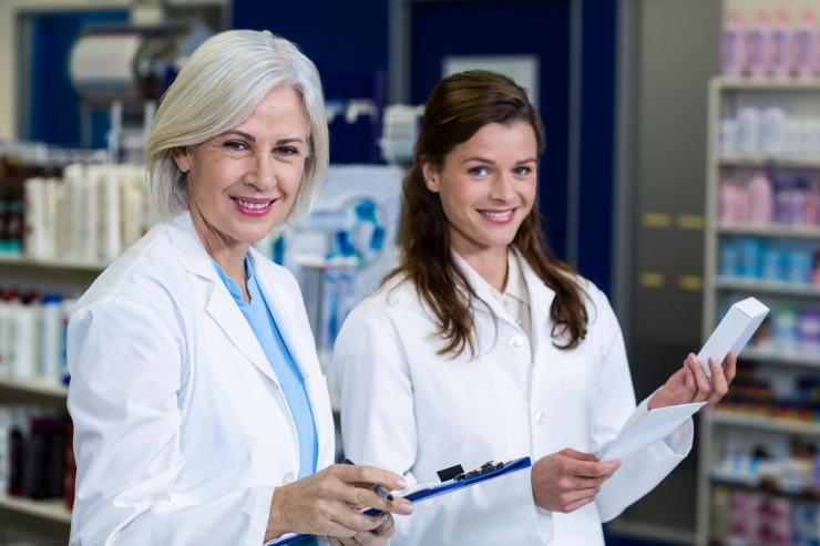 TUUS-LAUL: Proviisor peab oma rohupoes patsiendi tervist tähtsamaks kui ärimees ketiapteegis