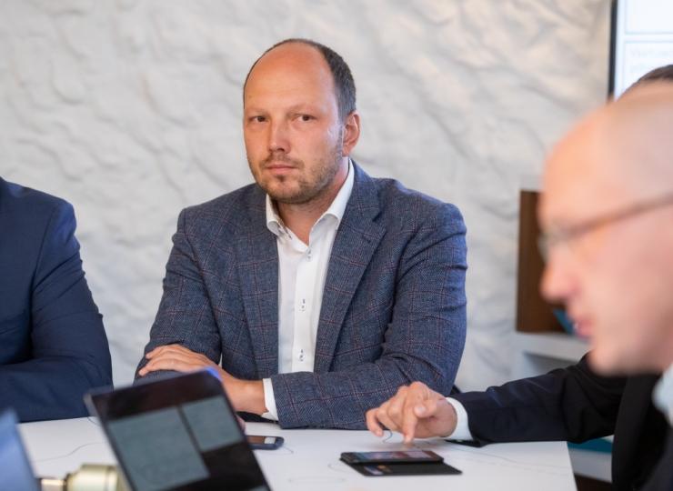 Eesti 200 soovitab justiits- ja välisminister välja vahetada