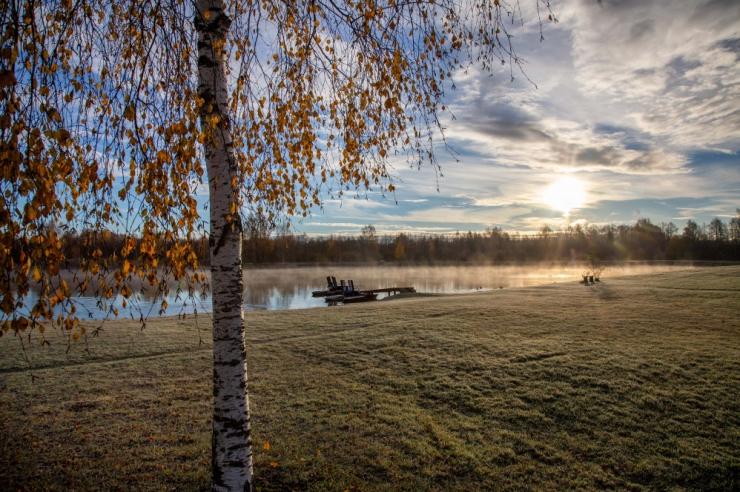 Esmaspäev toob vaibuvat tuult ja vahelduvat pilvisust