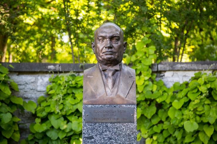 POOLT JA VASTU: Kas Konstantin Päts väärib ausammast ja sobib see sammas Tammsaare parki?