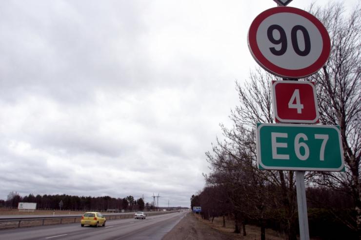 Esmaspäevast ei saa enam sõita kiirusega 100 ja 110 km/h