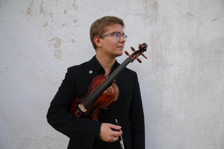 Kontserdisarjas soleerib viiuldaja Robert Traksmann