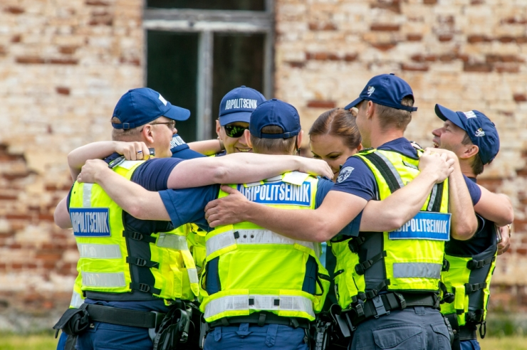 Riigikogu suurendab abipolitseinike õigusi politseitöös