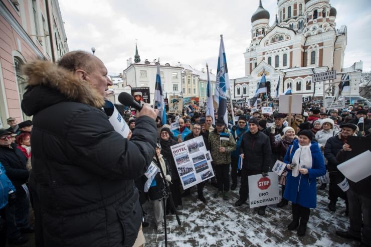 EKRE tahab rändepakti vastu kogutud allkirjad üle anda Ratasele
