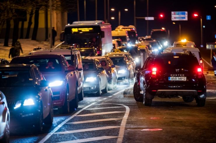 Jõulueelsel ajal on tuleb olla liikluses eriti tähelepanelik
