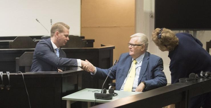 SAJANDI PROTSESS: Riigikohus vabastas Edgar Savisaare kohtu alt