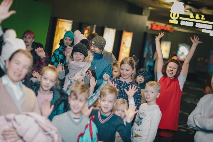 FOTOD! Lasterikkad pered tähistasid uue aasta algust ühise kinokülastusega