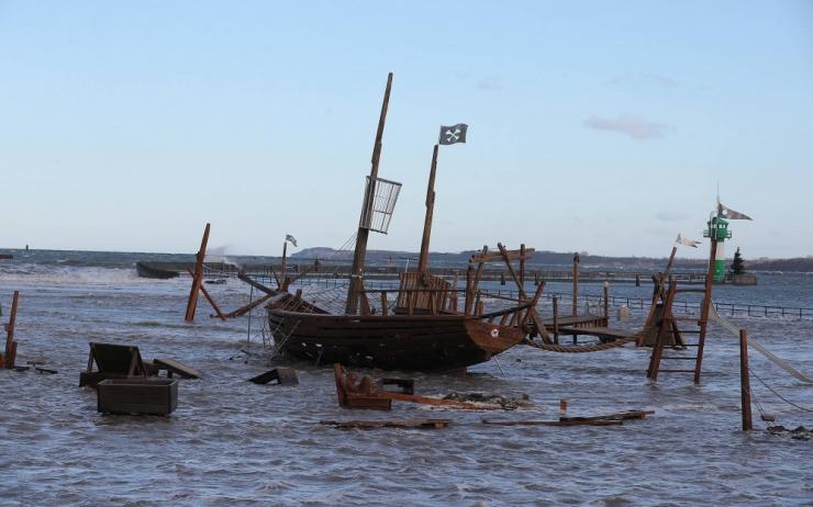 Benini ranniku lähistel võtsid piraadid pantvangi 6 Vene meremeest