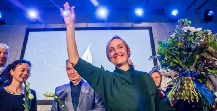 Kristina Kallas tunnistas skandaalse plakati tellimist, poliitikud kritiseerivad lõhestavat reklaami