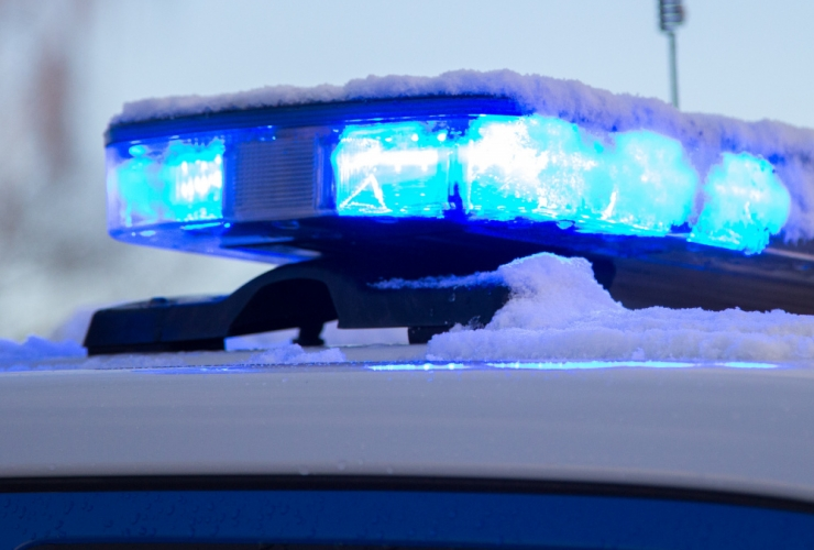Politsei päästis eaka naise vägivaldse tütre küüsist