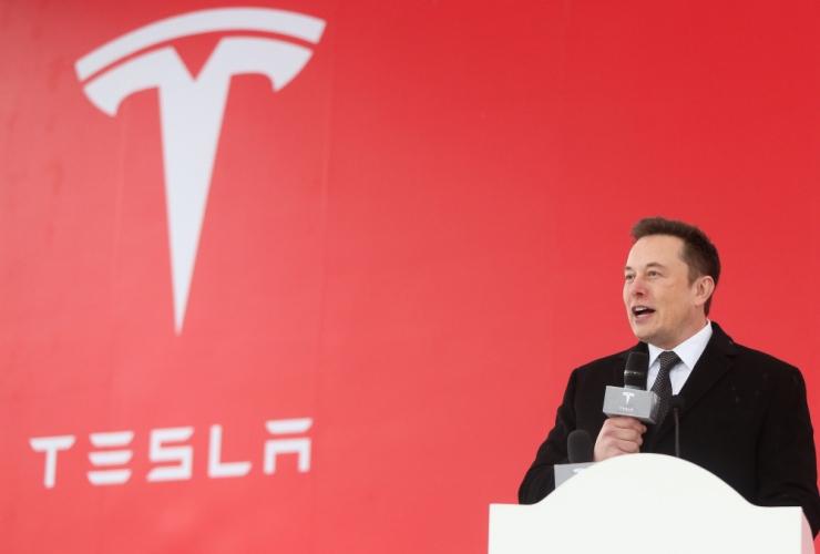 USA elektriautode tootja Tesla kaevati kohtusse